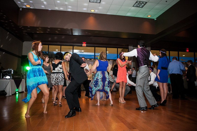 The dance floor was busy at Jen & Michael's Hideaway Lake Club wedding reception | ©Mary Cyrus Photography - Portraits & Weddings in Dallas & Beyond