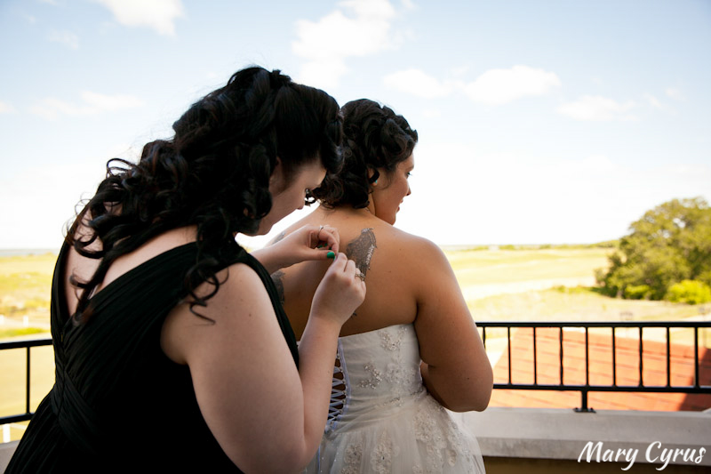 Decorating the Bride's Tattoo at this Retro Cinco de Mayo Wedding | Mary Cyrus Photography - Weddings & Portraits in Dallas, Texas & Beyond