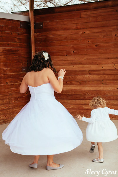 Bryan & Tara's laidback DIY wedding photographed by Mary Cyrus Photography at the Heard Museum in McKinney, Texas
