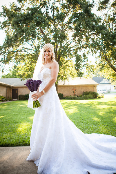 I loved the purple calla lily bridal bouquet at Jen & Michael's Lindale & Hideaway, Texas Wedding | ©Mary Cyrus Photography - Portraits & Weddings in Dallas & Beyond